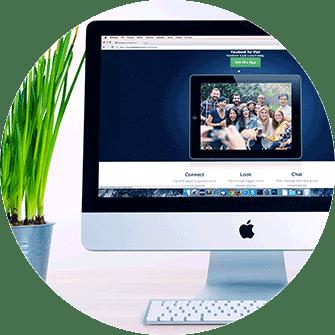 Webdesign, Re-Design, Webshop, Agentur in Graz auch bei COVID-19 für Sie da, Apple Mac neue Webseite, Mac mit Pflanze